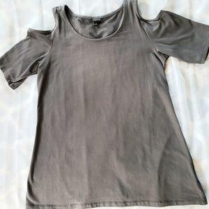 Torrid womens size 1 shoulder cut out top